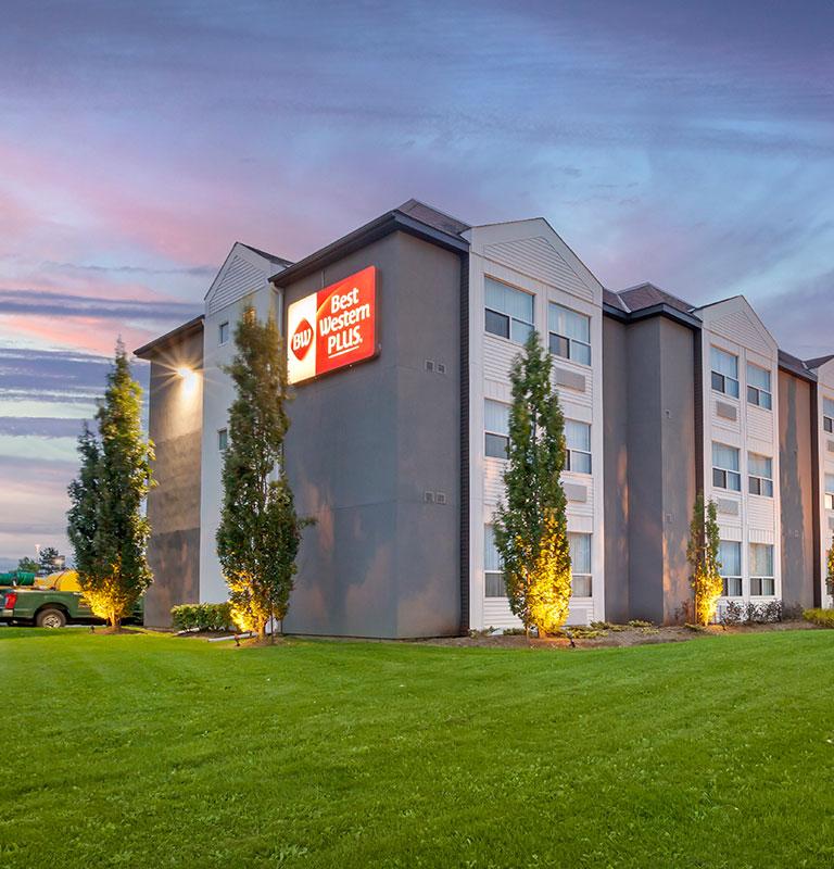 Best Western Plus Rose City Suites Hotels In Welland Ontario